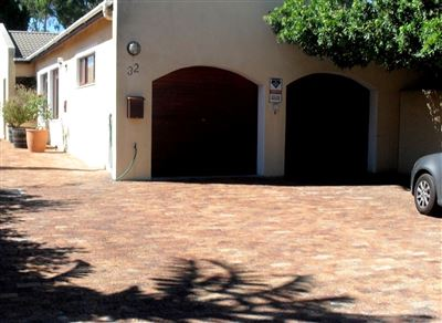 Edgemead property for sale. Ref No: 13579154. Picture no 1