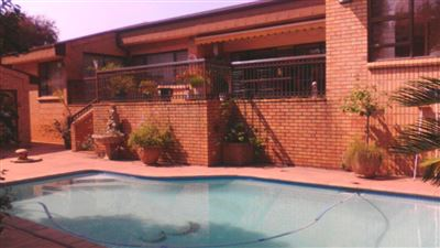 Property and Houses for sale in Die Heuwel And Ext, House, 3 Bedrooms - ZAR 1,820,000