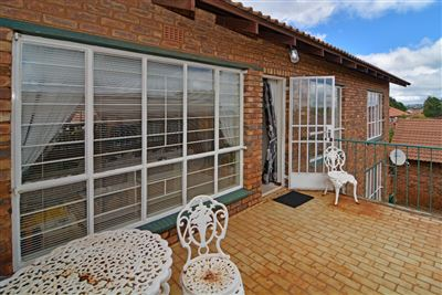 Roodepoort, Wilro Park Property  | Houses For Sale Wilro Park, Wilro Park, Townhouse 3 bedrooms property for sale Price:898,000