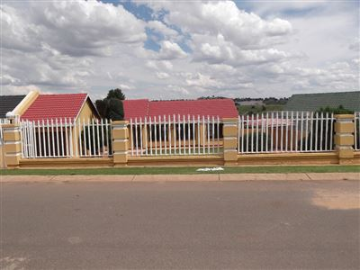 Roodepoort, Lindhaven Property  | Houses For Sale Lindhaven, Lindhaven, House 3 bedrooms property for sale Price:995,000