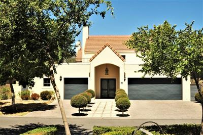 House for sale in Boschenmeer Golf And Country Estate