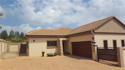 Property and Houses for sale in Thatchfield Estate, House, 3 Bedrooms - ZAR 1,820,000