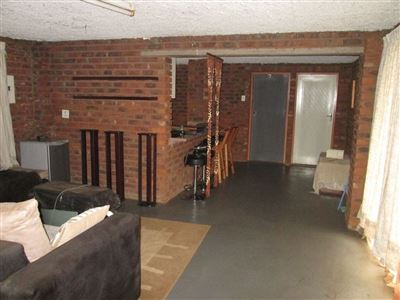 Raslouw property for sale. Ref No: 13584178. Picture no 40