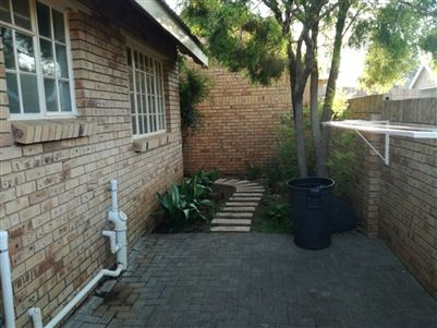 Heuwelsig property for sale. Ref No: 13585995. Picture no 4