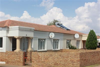 Bloemfontein, Fleurdal Property  | Houses For Sale Fleurdal, Fleurdal, Townhouse 2 bedrooms property for sale Price:650,000