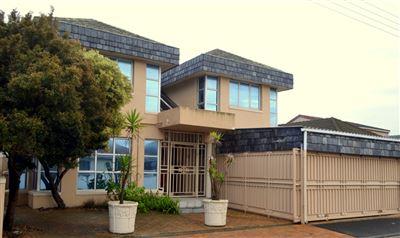 House for sale in Belthorne Est