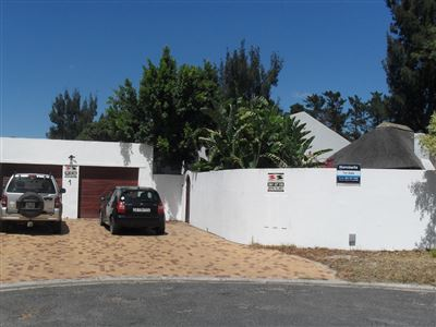 Edgemead property for sale. Ref No: 13594286. Picture no 1