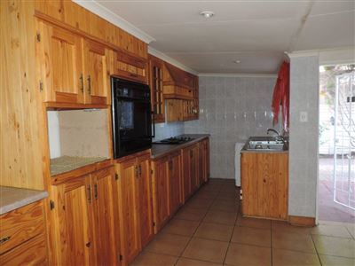 Kannoniers Park property for sale. Ref No: 13594909. Picture no 4