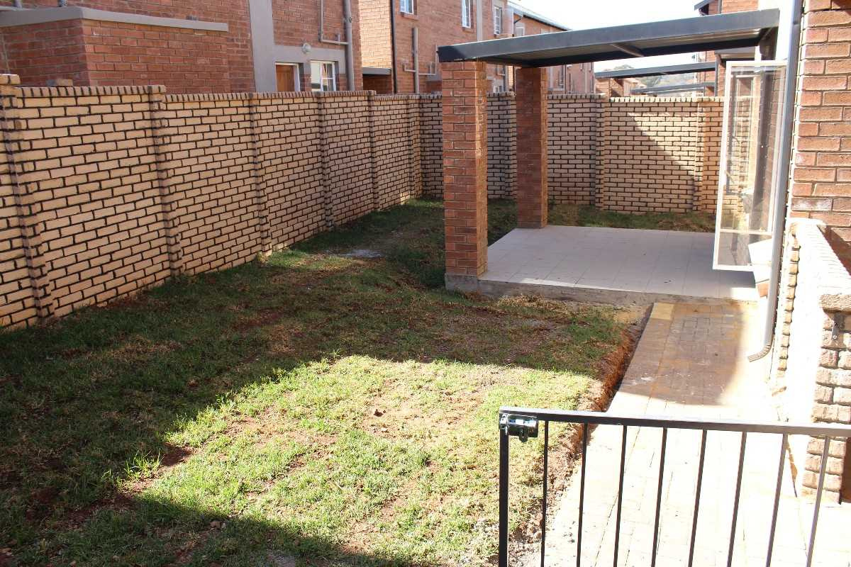 Raslouw Ridge Unit with garden