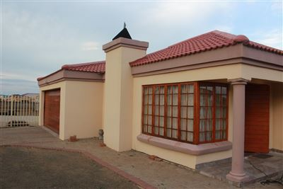 Bloemfontein, Vista Park Property  | Houses For Sale Vista Park, Vista Park, House 3 bedrooms property for sale Price:1,250,000