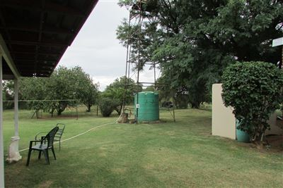 Property and Houses for sale in Bultfontein, House, 5 Bedrooms - ZAR 1,600,000