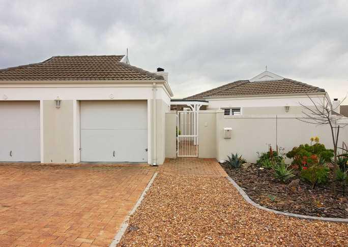 Pinehurst, Durbanville - compact 3 bedroom Home