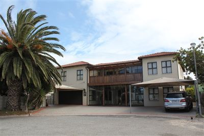 Property and Houses for sale in Middedorp, House, 7 Bedrooms - ZAR 3,995,000