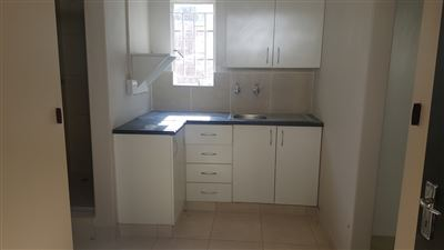 Property and Houses to rent in Irenepark, House, 1 Bedrooms - ZAR ,  2,00*,M