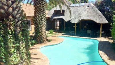 Bloemfontein, Langenhovenpark Property  | Houses For Sale Langenhovenpark, Langenhovenpark, House 4 bedrooms property for sale Price:1,590,000
