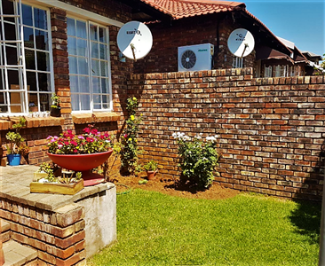 Bloemfontein, Pentagon Park Property  | Houses For Sale Pentagon Park, Pentagon Park, Townhouse 1 bedrooms property for sale Price:560,000
