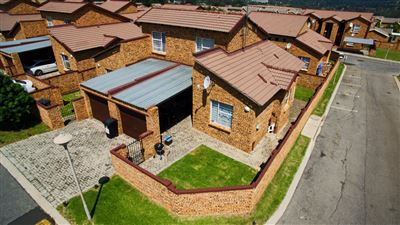 Roodepoort, Honeypark Property  | Houses For Sale Honeypark, Honeypark, Townhouse 2 bedrooms property for sale Price:640,000
