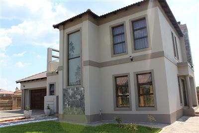 Property and Houses for sale in The Orchards, House, 4 Bedrooms - ZAR 2,200,000