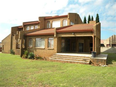 Property and Houses for sale in Reyno Ridge And Ext, House, 4 Bedrooms - ZAR 1,695,000