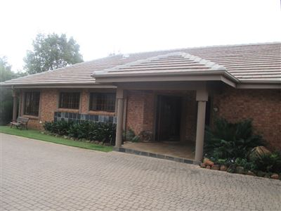 Property and Houses for sale in Leeuwfontein, House, 4 Bedrooms - ZAR 3,920,000