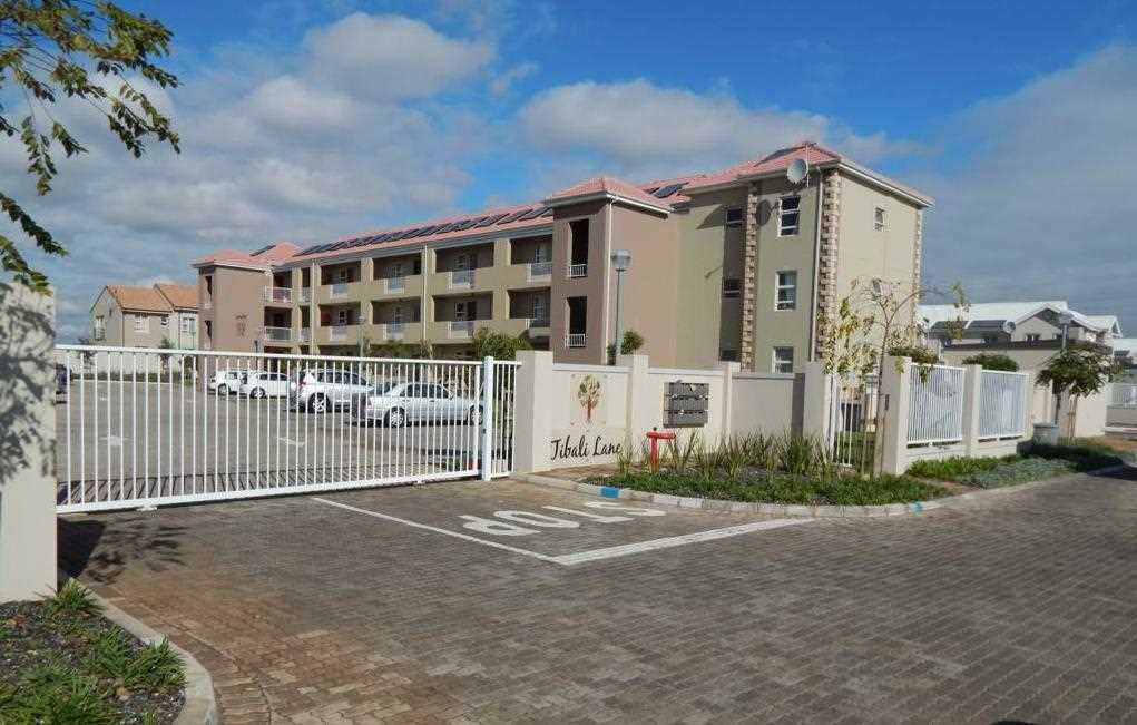 2 Bed, 1 bath, 2nd Floor Apartment - Tibali Lane, Buhrein