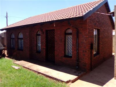 Property and Houses for sale in Vosloorus And Ext, House, 2 Bedrooms - ZAR 485,000