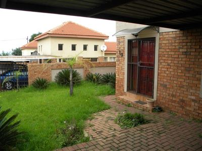Property and Houses for sale in Reyno Ridge And Ext, Townhouse, 2 Bedrooms - ZAR 655,000
