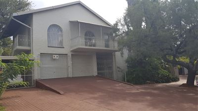 Property and Houses for sale in Hennopspark, House, 4 Bedrooms - ZAR 2,480,000