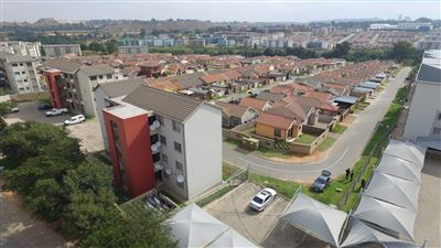 Roodepoort, Fleurhof Property  | Houses For Sale Fleurhof, Fleurhof, Apartment 2 bedrooms property for sale Price:449,000