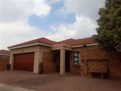 Property and Houses for sale in New Market Park, Cluster, 3 Bedrooms - ZAR 1,650,000