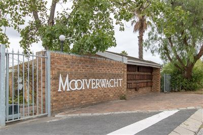 Bellville, Stellenridge Property  | Houses For Sale Stellenridge, Stellenridge, Townhouse 3 bedrooms property for sale Price:1,990,000