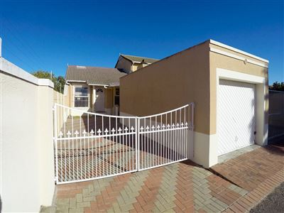 Cape Town, Thornton Property  | Houses For Sale Thornton, Thornton, Townhouse 2 bedrooms property for sale Price:1,250,000