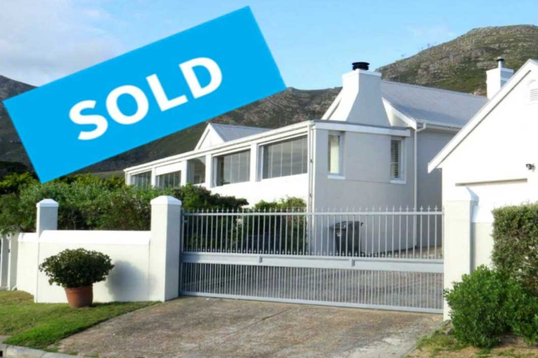 4 Bedroom House For Sale in Noordhoek