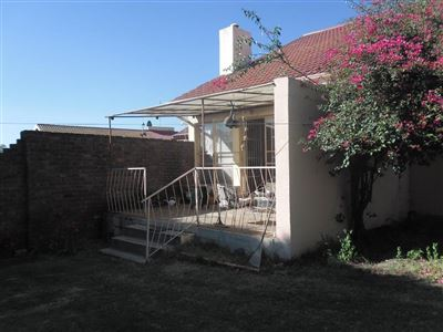 Property and Houses for sale in Die Heuwel And Ext, House, 3 Bedrooms - ZAR 950,000
