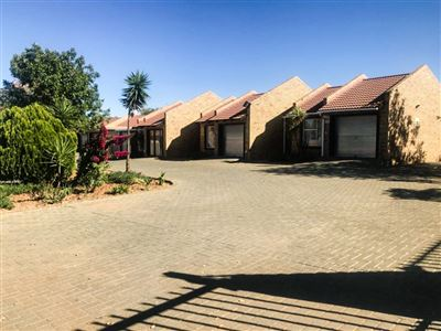Bloemfontein, Fauna Property  | Houses For Sale Fauna, Fauna, Townhouse 2 bedrooms property for sale Price:640,000