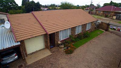 Krugersdorp, Lewisham Property    Houses For Sale Lewisham, Lewisham, Townhouse 3 bedrooms property for sale Price:660,000