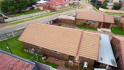 Krugersdorp, Lewisham Property    Houses For Sale Lewisham, Lewisham, Cluster 2 bedrooms property for sale Price:560,000