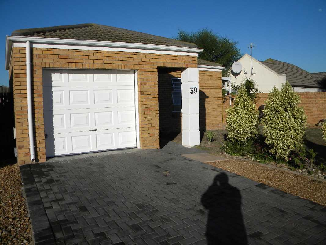 2 Bedroom Townhouse For Sale - Protea Heights, Brackenfell