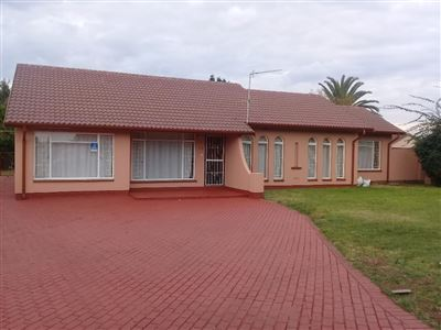 Alberton, Mayberry Park Property  | Houses To Rent Mayberry Park, Mayberry Park, House 4 bedrooms property to rent Price:, 12,00*