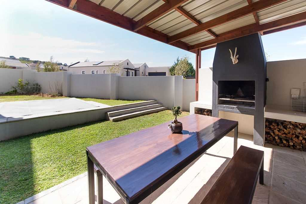 Home with Private Garden opposite Park in Somerset West