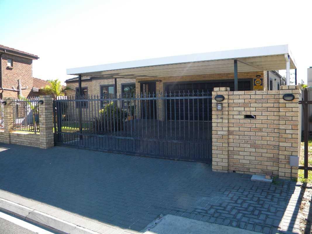 3 Bedroom House For Sale - Sonkring, Brackenfell