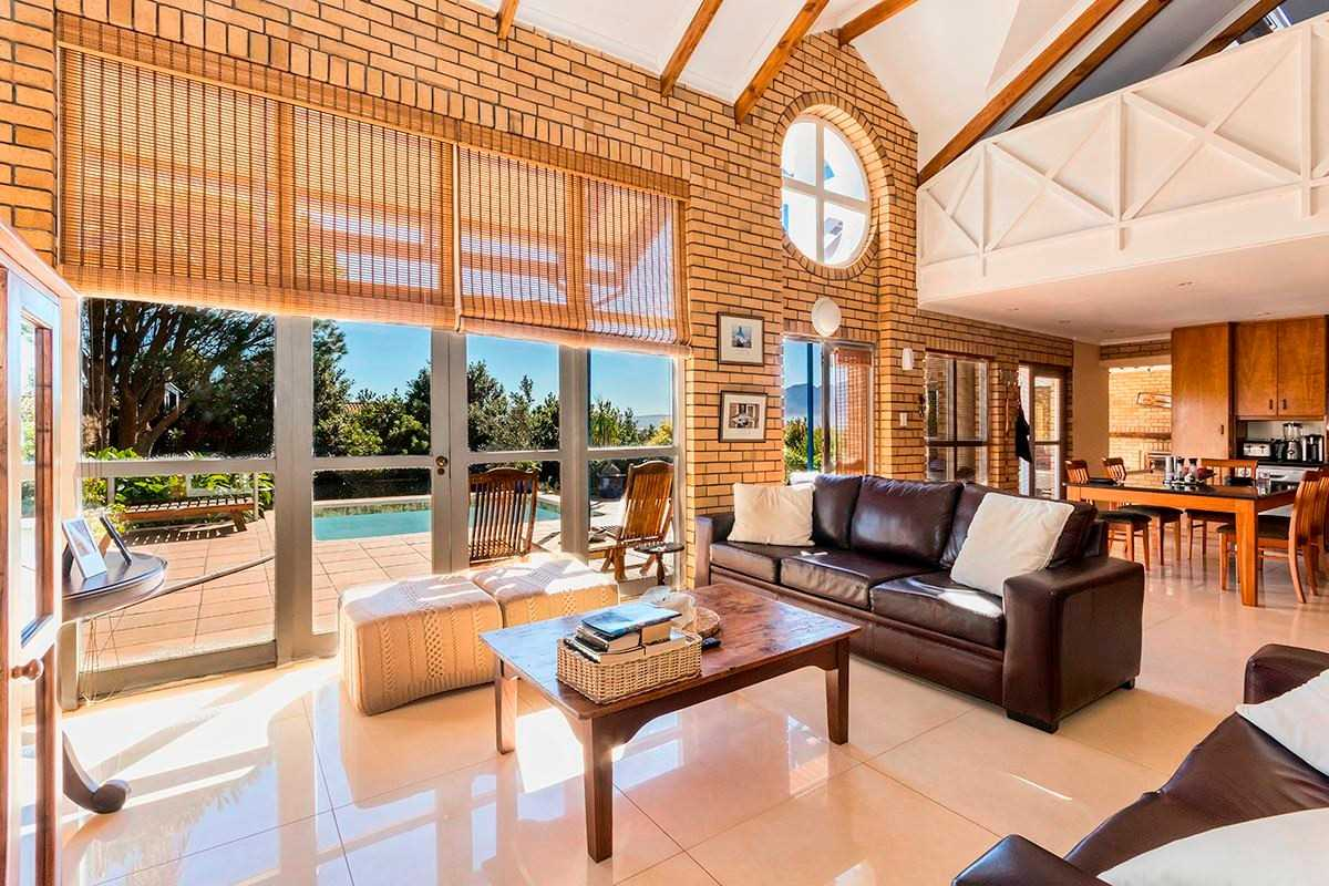 Spacious and Stylish in Gordon's Bay