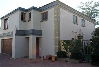 House for sale in Amberfield Glen