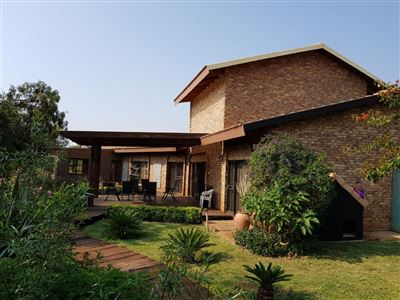 Property and Houses for sale in Kameeldrift East, House, 3 Bedrooms - ZAR 4,500,000