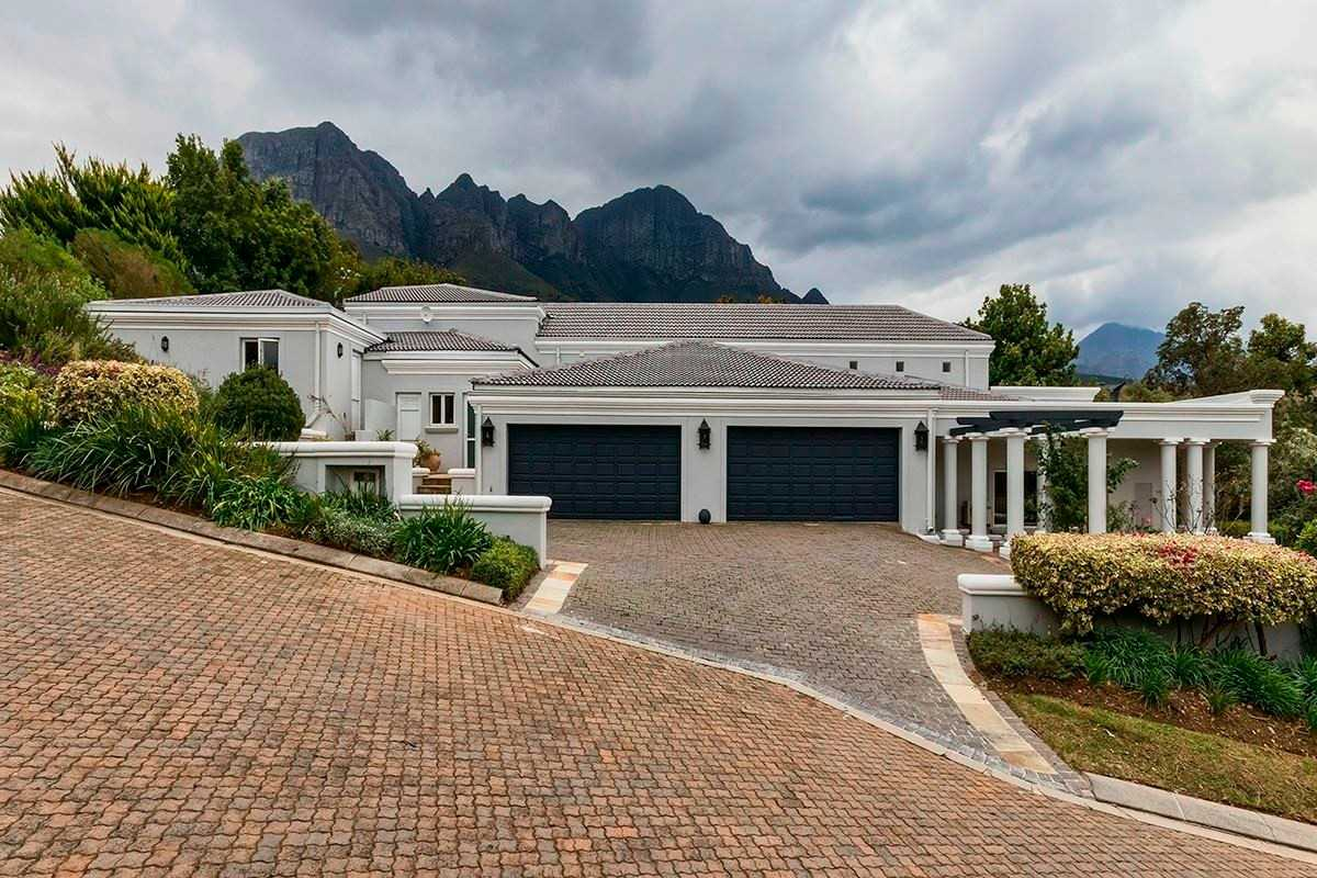 Grand Scale Value in Upper Erinvale Estate, Somerset West