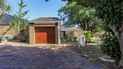 Townhouse for sale in Durbanville Hills