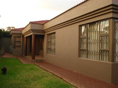Roodepoort, Roodepoort North Property  | Houses For Sale Roodepoort North, Roodepoort North, House 3 bedrooms property for sale Price:895,000