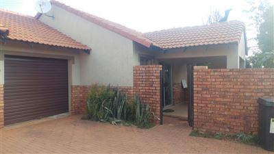 Property and Houses for sale in Montana Tuine, Townhouse, 2 Bedrooms - ZAR 880,000