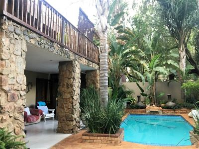 Property and Houses for sale in Faerie Glen, House, 4 Bedrooms - ZAR 3,150,000
