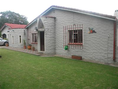 Property and Houses for sale in Die Heuwel And Ext, House, 4 Bedrooms - ZAR 1,895,000